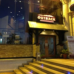 Photo taken at Outback Steakhouse | آوت باك ستيك هاوس by Black Code 🇯🇴 on 6/19/2013