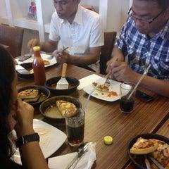Photo taken at Pizza Hut by Kharina H. on 1/7/2013