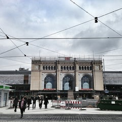 Photo taken at Hannover Hauptbahnhof by Michael H. on 2/8/2013