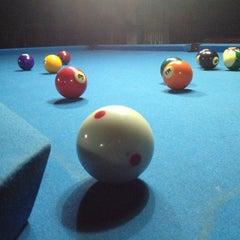 Photo taken at Brewball Pool Club & Bar by Biyaanscore H. on 6/25/2013