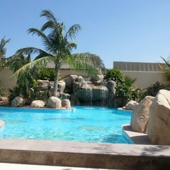 Photo taken at Sunset Beach Resort | منتجع شاطئ الغروب by Rahaf A. on 6/13/2013