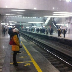 Photo taken at 地铁西二旗站 Subway Xi'erqi by jiangwei z. on 12/28/2012