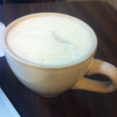 Photo taken at Common Grounds Coffee by Shawn P. on 2/1/2013