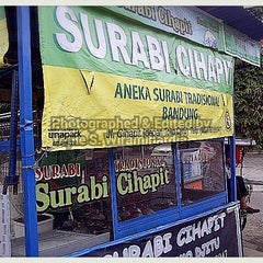 Photo taken at Surabi Cihapit by Yopie S. on 1/17/2014