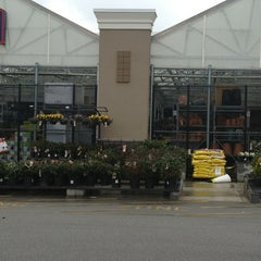Photo taken at Lowe's Home Improvement by Nickole R. on 3/31/2013