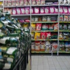 Photo taken at Giant Hypermarket by Rio A. on 6/1/2014