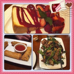 Photo taken at P.F. Chang's by Edna L. on 6/22/2013