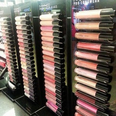 Photo taken at MAC Cosmetics by NAQSZADA on 11/3/2013