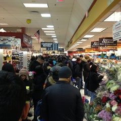 Photo taken at ShopRite by HDarnell H. on 2/2/2013