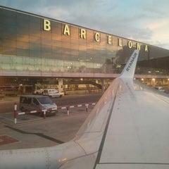 Photo taken at Aeroport de Barcelona-El Prat (BCN) by Benjami V. on 10/25/2013