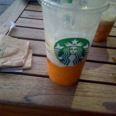 Photo taken at Starbucks by Jorge A. on 6/17/2014