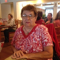 Photo taken at Olive Garden by Kelly D. on 9/14/2014