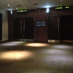 Photo taken at Hoyts Premium Class by Pablo B. on 10/22/2012