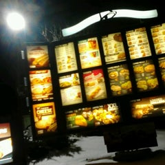 Photo taken at Taco Bell by Lia K. on 12/30/2012