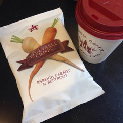 Photo taken at Pret A Manger by Алёна П. on 8/17/2014
