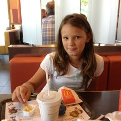 Photo taken at McDonald's by Ricardo F. on 7/11/2013