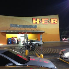 Photo taken at H-E-B by Gustavo J. on 5/22/2013