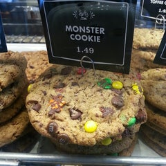 Photo taken at Corner Bakery Cafe by Veronica D. on 7/10/2013
