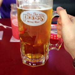 Photo taken at Pluckers Wing Bar by Lisa L. on 4/27/2014