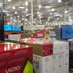 Photo taken at Costco by Victor C. on 1/5/2013