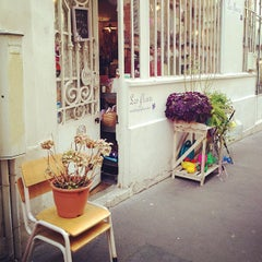 Photo taken at Les Fleurs by Audrey F. on 11/15/2012
