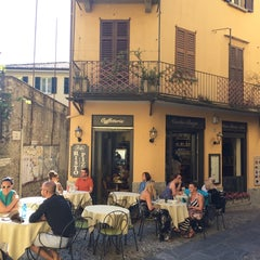 Photo taken at Caffe Vechio Borgo by Александр Ч. on 5/24/2014