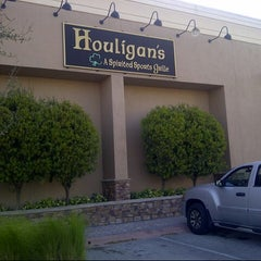 Photo taken at Houligan's by Kurt v. on 3/20/2014