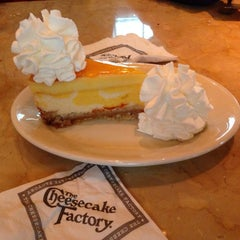 Photo taken at The Cheesecake Factory by Anne on 10/24/2014