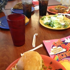 Photo taken at Golden Corral by Nia O. on 1/13/2013