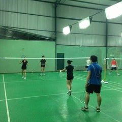 Photo taken at Dao Duy Anh Badminton Court by Truong H. on 1/6/2013