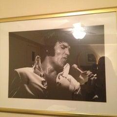 Photo taken at Elvis Presley's Heartbreak Hotel by Casey D. on 1/4/2013