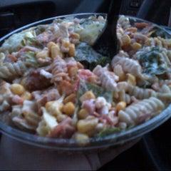 Foto tirada no(a) Mix Salads por Yanelli B. em 1/15/2013