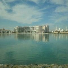 Photo taken at Fairmont Bab Al Bahr Hotel Abu Dhabi by Raghad O. on 2/8/2013