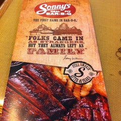 Photo taken at Sonny's BBQ by Lou D. on 1/29/2013