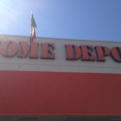Photo taken at The Home Depot by SrAlfonso C. on 2/22/2013
