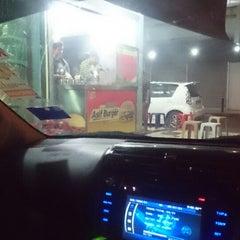 Photo taken at Asif burger by Hidayat X Junaidi on 2/28/2015