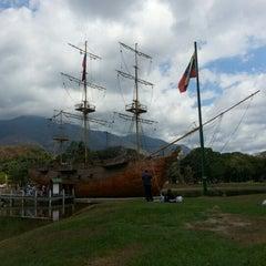 Photo taken at Parque Generalísimo Francisco de Miranda by Héctor N. on 2/9/2013