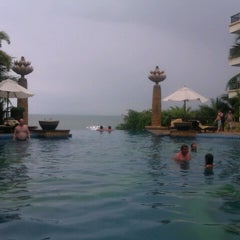 Photo taken at Garden Cliff Resort and Spa by Ann P. on 3/3/2013