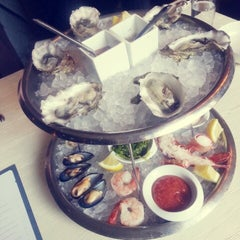Photo taken at GT Fish and Oyster by Jisun Y. on 3/8/2013