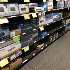 Photo taken at Fry's Electronics by Fa M. on 6/9/2015