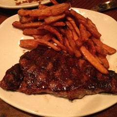 Photo taken at Outback Steakhouse by Andrew L. on 2/24/2013