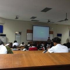 Photo taken at ศูนย์เรียนรวม 3 (Lecture Hall 3) by Narongsak M. on 1/18/2013