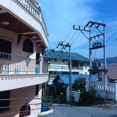 Photo taken at Patong Cottage Resort Phuket by Елена К. on 2/23/2013