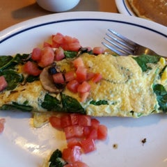 Photo taken at IHOP by Cat C. on 10/18/2014