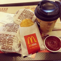 Photo taken at McDonald's & McCafé (แมคโดนัลด์ & แมคคาเฟ่) by Mark P. on 5/7/2013