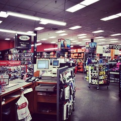 Photo taken at Sports Authority by Melody L. on 1/21/2015