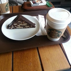 Photo taken at Starbucks by Sevda P. on 1/22/2013