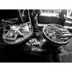 Photo taken at ซอยสุขุมวิท 31 (Sukhumvit 31) by mahtini on 8/30/2015