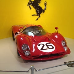 Foto scattata a Museo Ferrari da Kelli B. il 10/13/2013