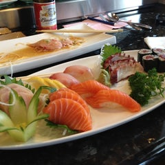Photo taken at Thai Green & Sushi by Angie R. on 10/23/2012